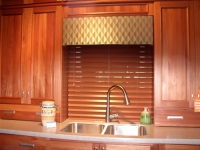Geometric kitchen cornice