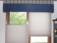 Double straight blue cornice w/vertical striped top banding