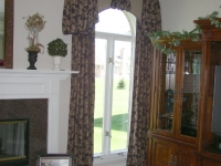 Arched cornice with cascades