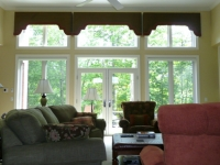 great-room-shaped-cornices