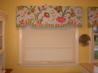 Tropical Floral Cornice