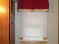 bath-valance-with-contrast-banding