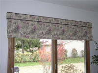 Box Pleat valance with tapered ends