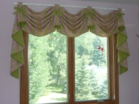Open Swag Valance with Cascades